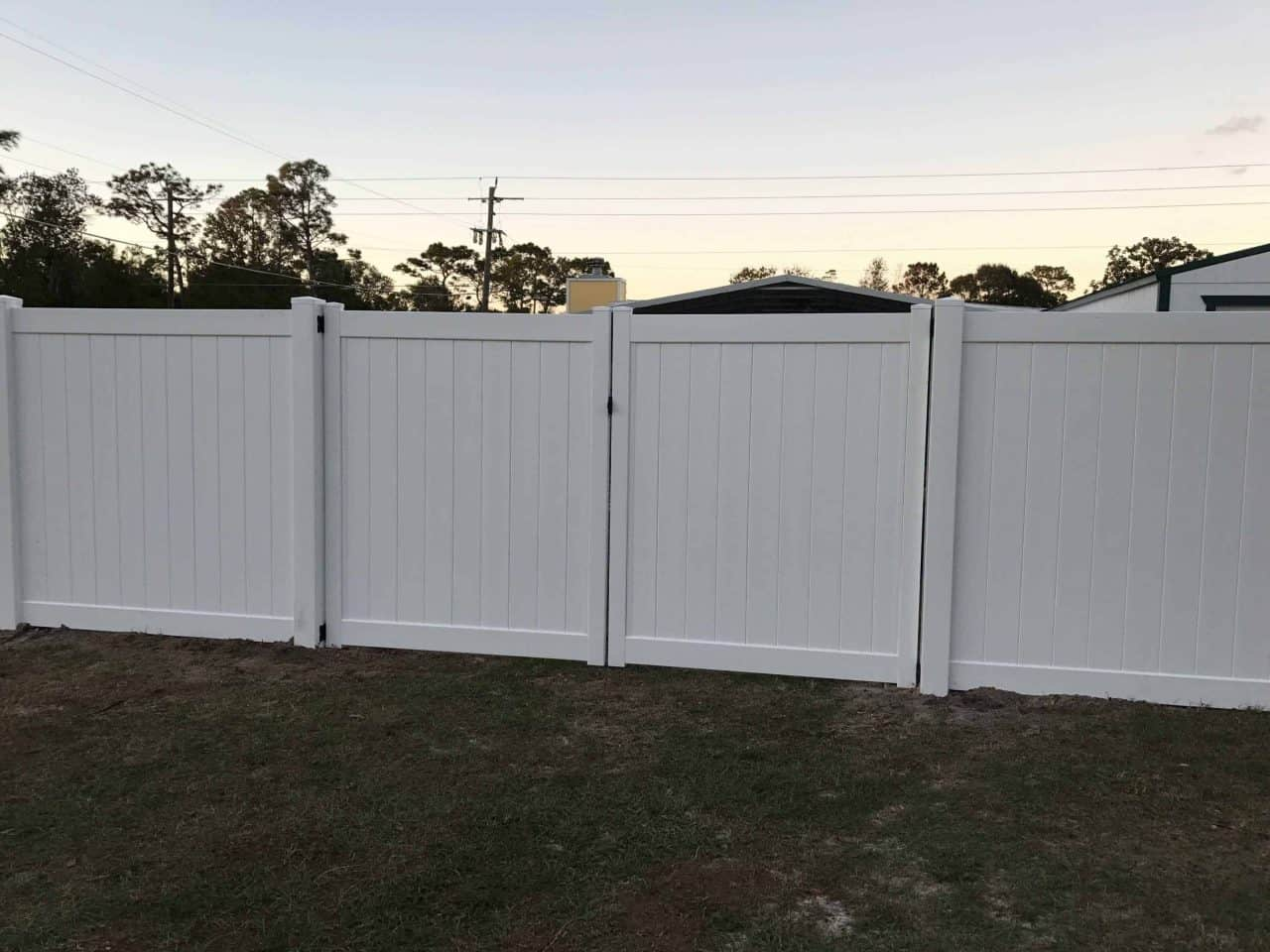 https://www.superiorfenceandrail.com/wp-content/uploads/2017/01/VINYL-GATES2-1280x960.jpeg