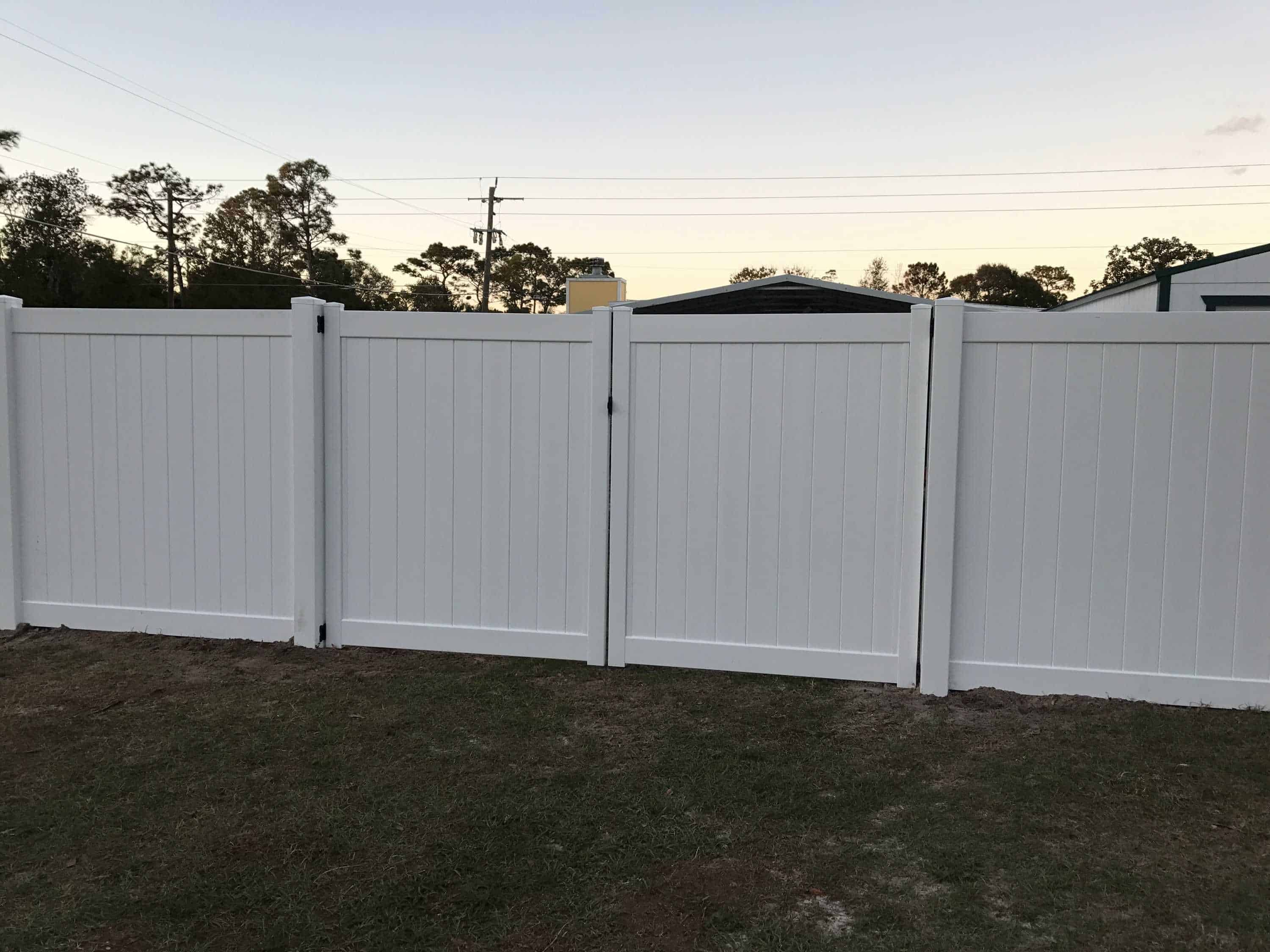Choosing The Right Vinyl Gate For Your Yard Superior
