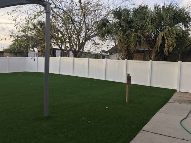 Vinyl Fence: The Mono-extrusion vs. Co-extrusion debate