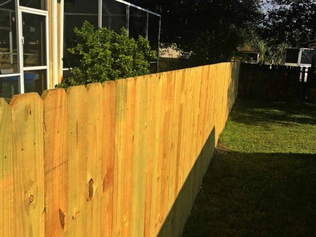 https://www.superiorfenceandrail.com/wp-content/uploads/2018/01/wood-fence-fort-myers-superior-fence-and-rail-1-640x480.jpg