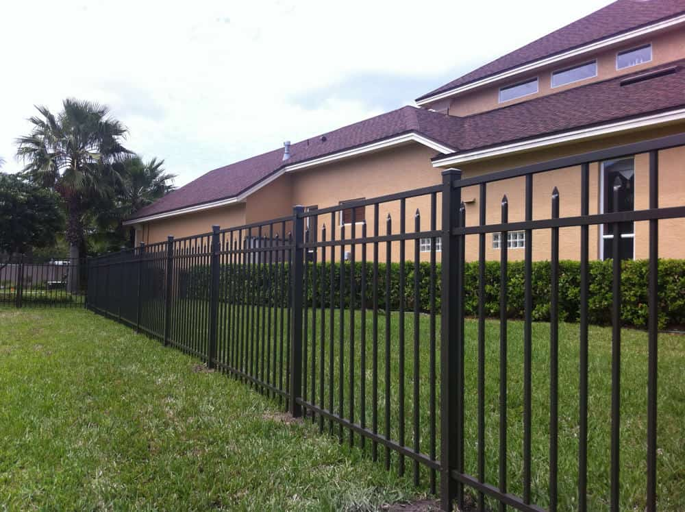 Aluminum Fence with Flat Top Rail