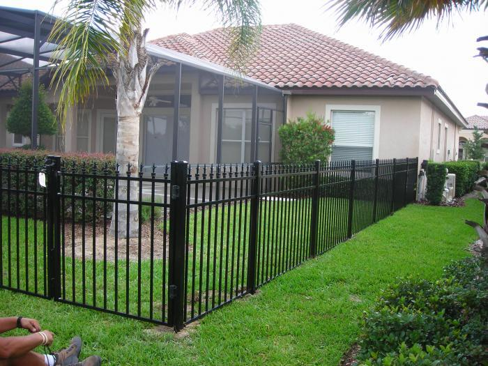 Aluminum Fence with Finials