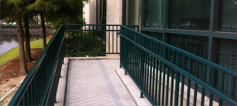 Aluminum Amp Vinyl Railing In Orlando Fl Superior Fence