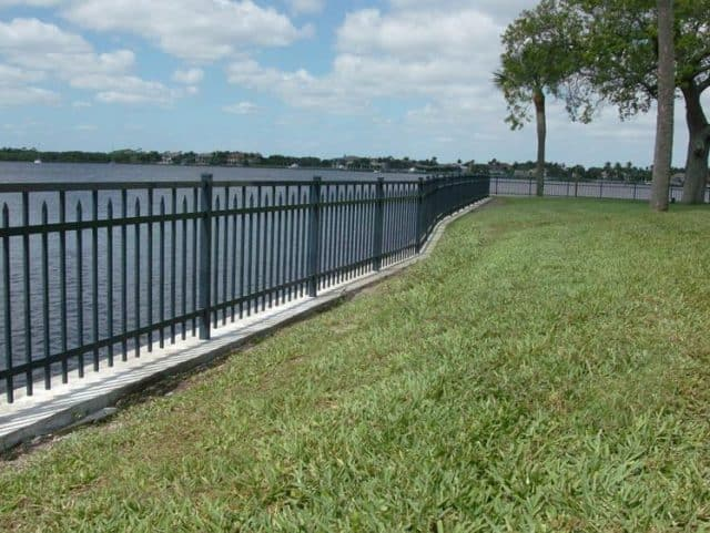 Commercial Aluminum Fence 1