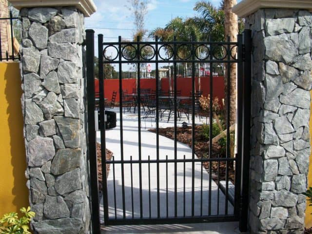Gates & Entry 4