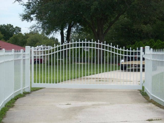 Gates & Entry 6