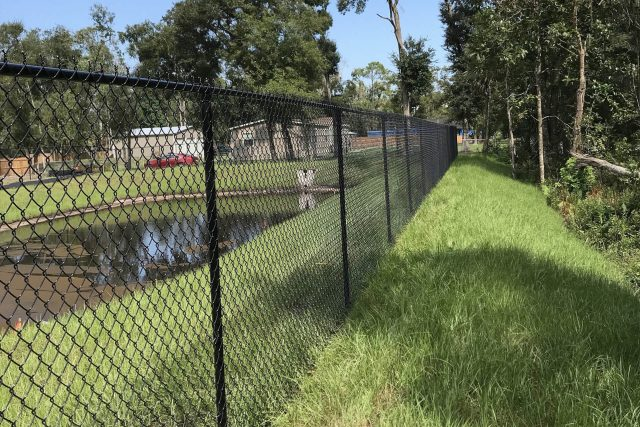 Residential Chain Link Fence 1