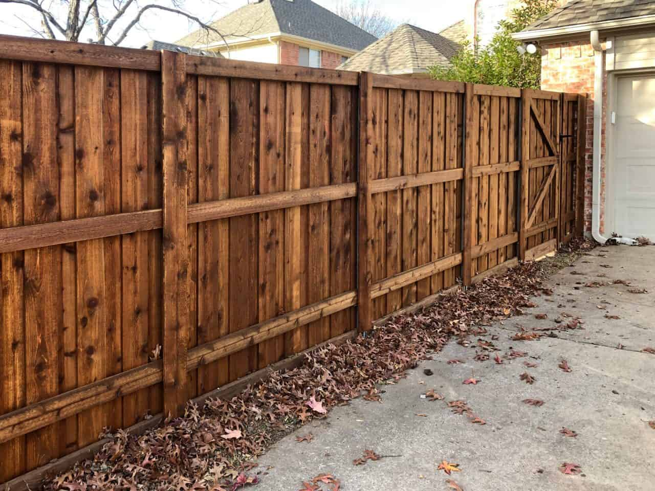 https://www.superiorfenceandrail.com/wp-content/uploads/2019/11/Master-Series-Wood-Fencing-18-1280x960.jpg
