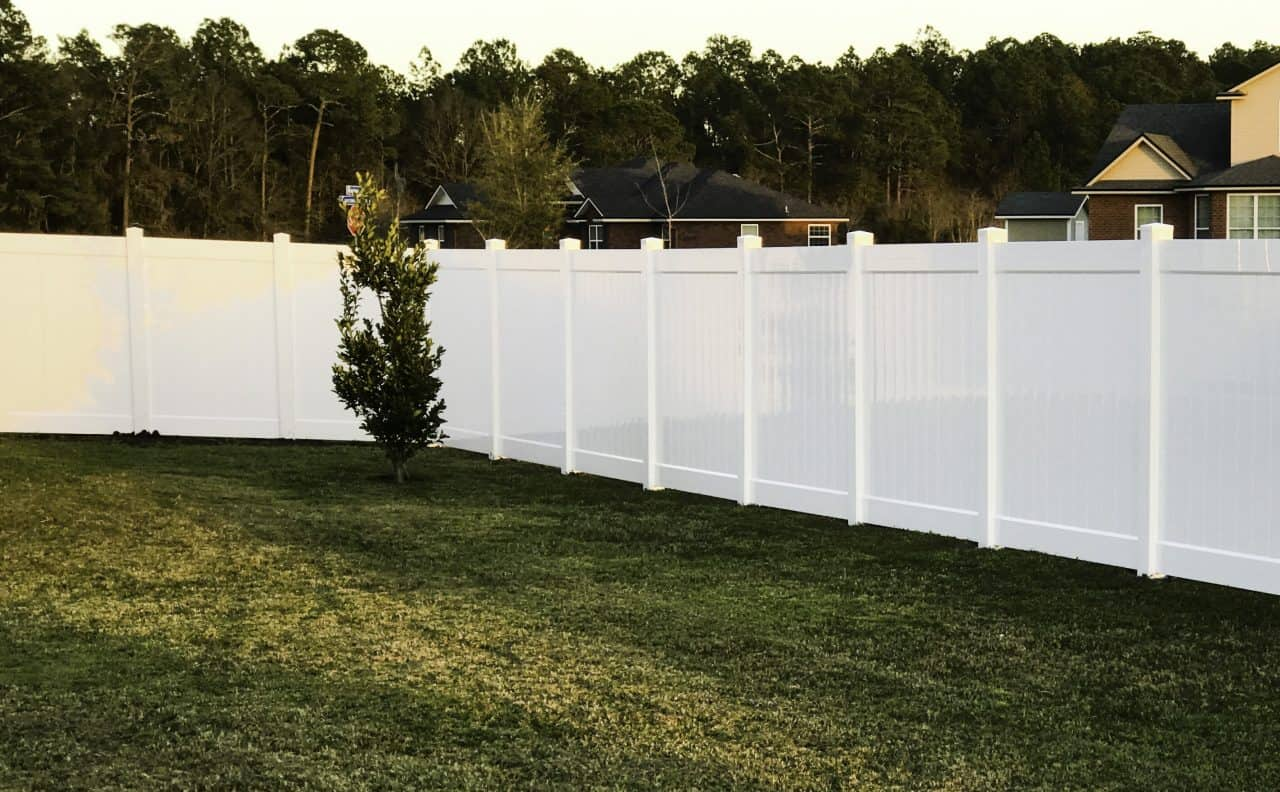 https://www.superiorfenceandrail.com/wp-content/uploads/2020/02/Belle-Meade-Fence-Company-Put-Service-First-1280x792.jpg