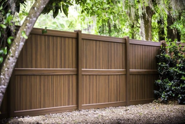 Which Brentwood Fence Company Is Best For Your Fence Project?