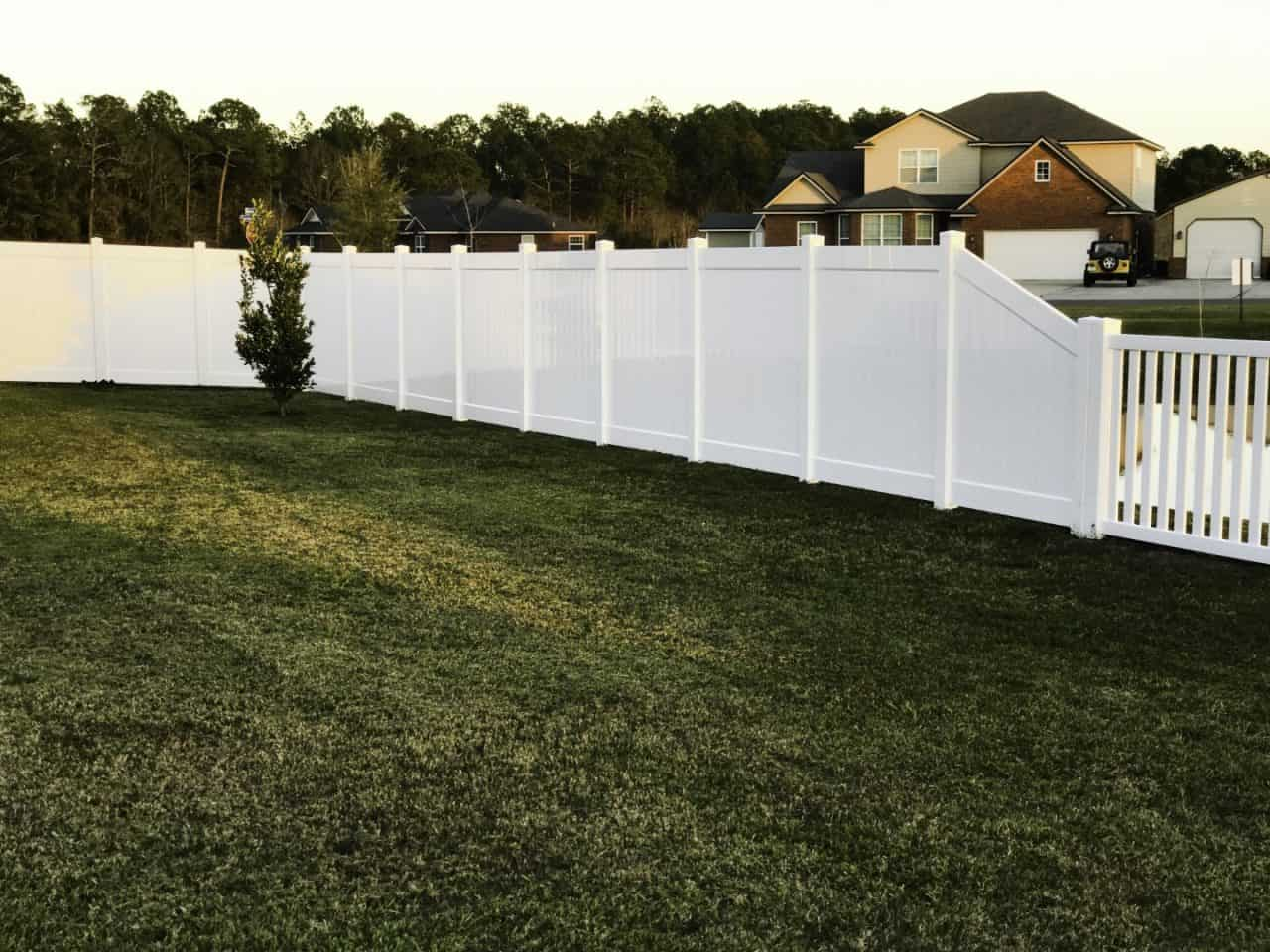 https://www.superiorfenceandrail.com/wp-content/uploads/2020/02/Franklin-Tennessee-Fence-Company-with-Highest-Rating-1280x960.jpg