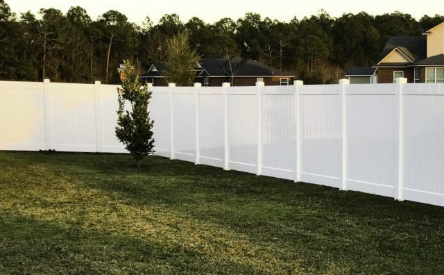 How to Choose Your Murfreesboro Vinyl Fence Style