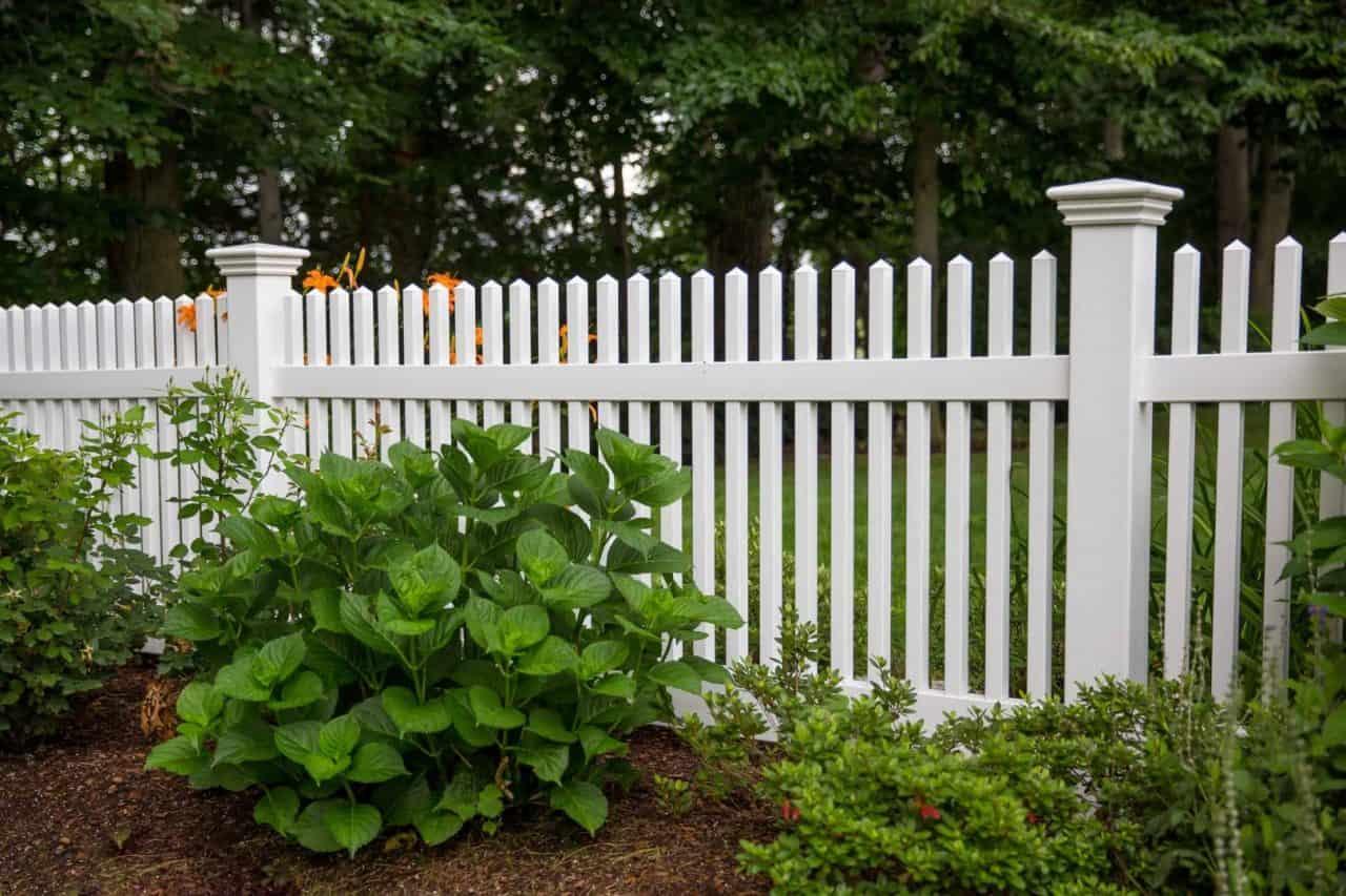 https://www.superiorfenceandrail.com/wp-content/uploads/2020/02/Why-Choose-Smyrna-Fence-Installation-Professionals-1280x853.jpg