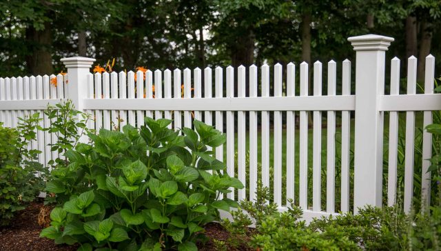 How Does a Concord Fence Company Earn High Marks from Customers?