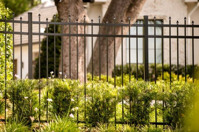 Which Holly Springs Fence Company Is the Most Trusted?