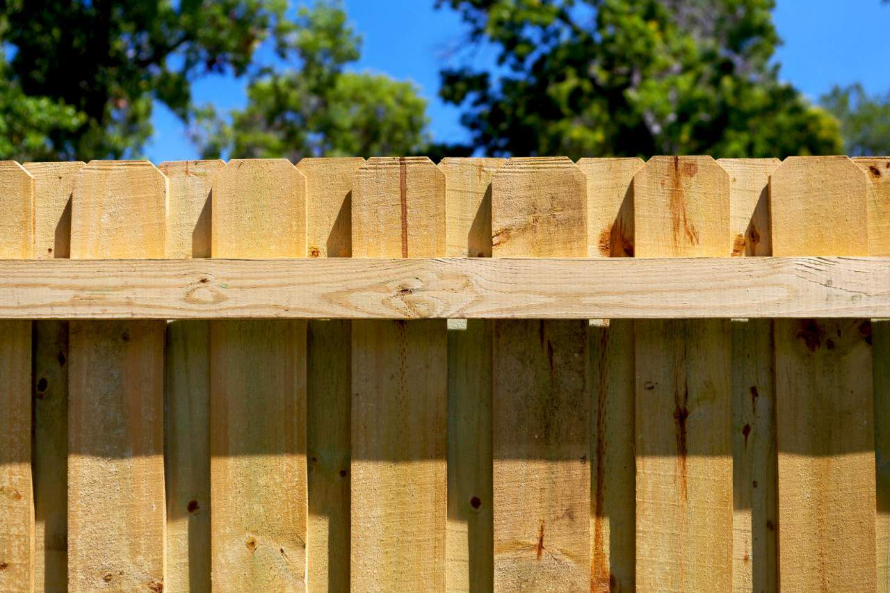 https://www.superiorfenceandrail.com/wp-content/uploads/2020/03/Raleigh-Fence-Permitting-1280x853.jpg