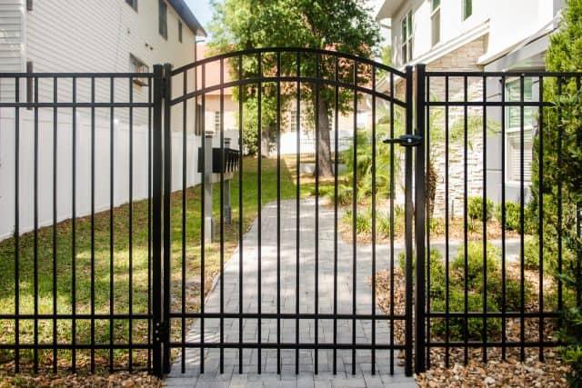 300 sterling aluminum fence double bottom rail