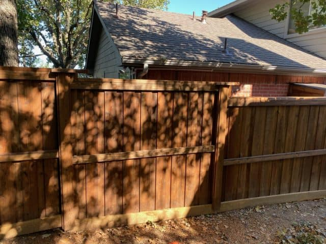 Which Is the Best Lantana Fence Company for Your Backyard Fence Project?