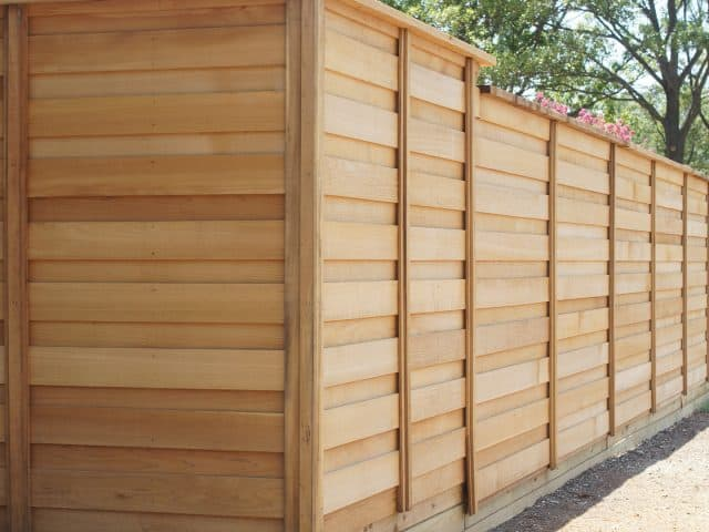 https://www.superiorfenceandrail.com/wp-content/uploads/2020/05/Lewisville-Fence-Company-640x480.jpg