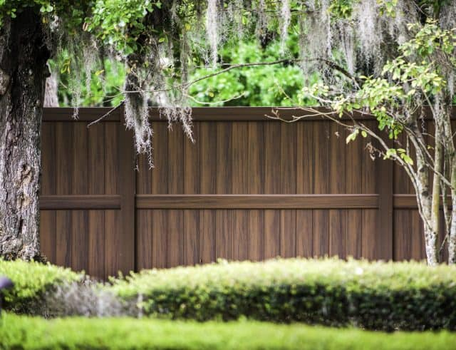 Choose a Turnkey Winter Haven Fence Company for Streamlined Installation and Excellent Customer Service