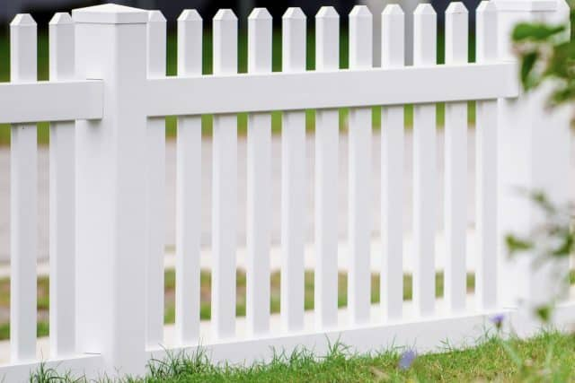 Can You Trust a Suwanee Fence Company?
