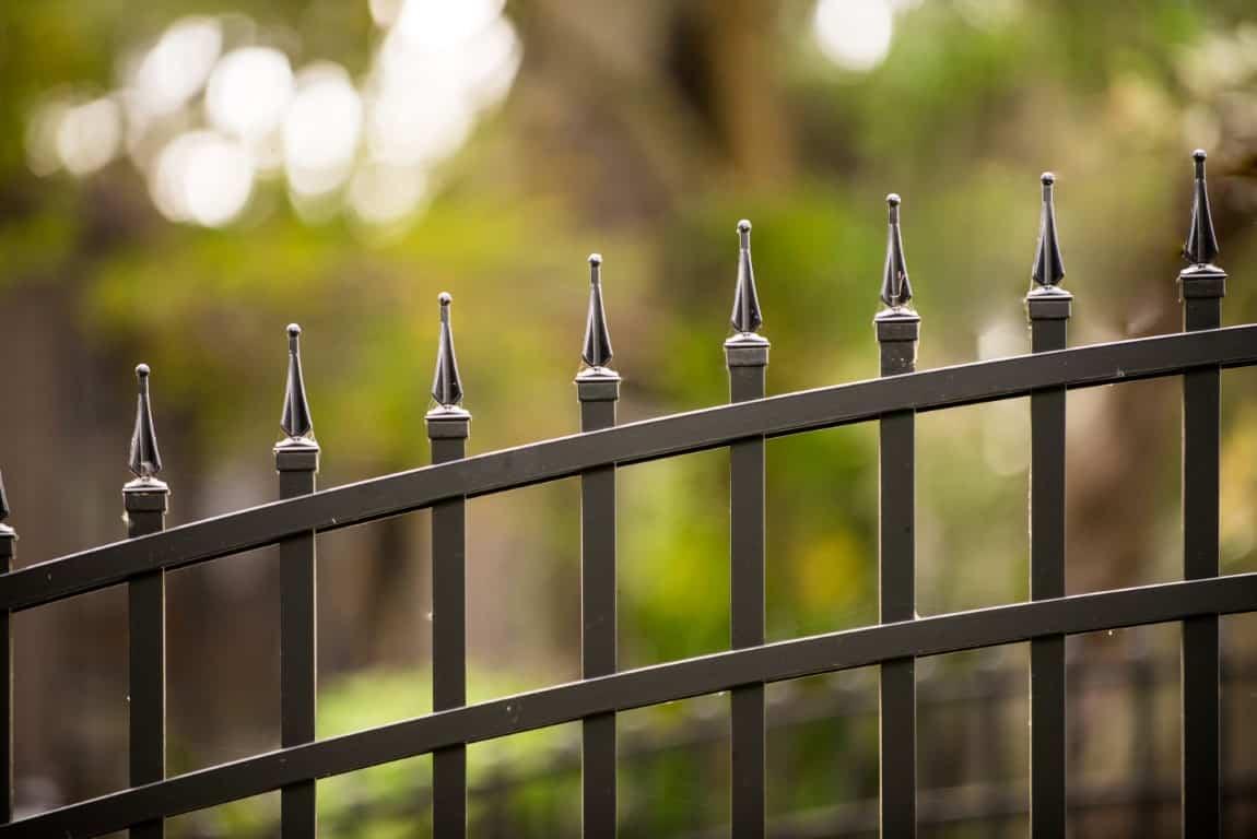 https://www.superiorfenceandrail.com/wp-content/uploads/2020/08/Gothic-Fences.jpg