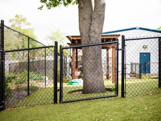 https://www.superiorfenceandrail.com/wp-content/uploads/2020/09/Best-Treasure-Valley-fence-company-640x480.jpg