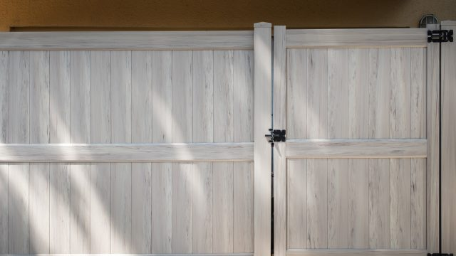 Looking at Jefferson Fence Companies? Four Factors to Consider Before You Buy a Fence
