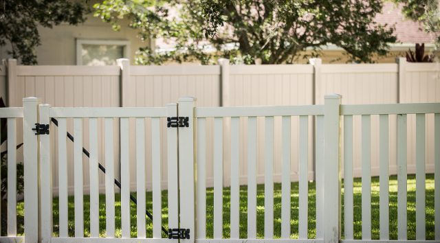 Top 8 Benefits of Vinyl Fencing