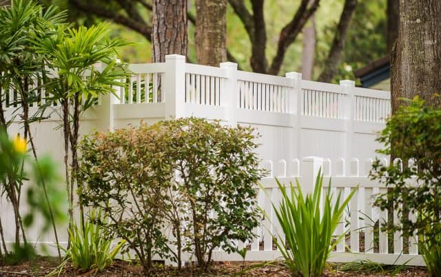 Need Help to Determine the Best Fence Color? Hire an Indialantic Fence Company