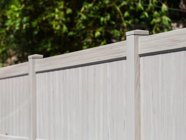 https://www.superiorfenceandrail.com/wp-content/uploads/2021/01/National-Fence-Installation-Company-640x480.jpg