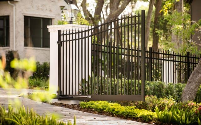 Which Ormond Beach Fence Companies Offer Financing?
