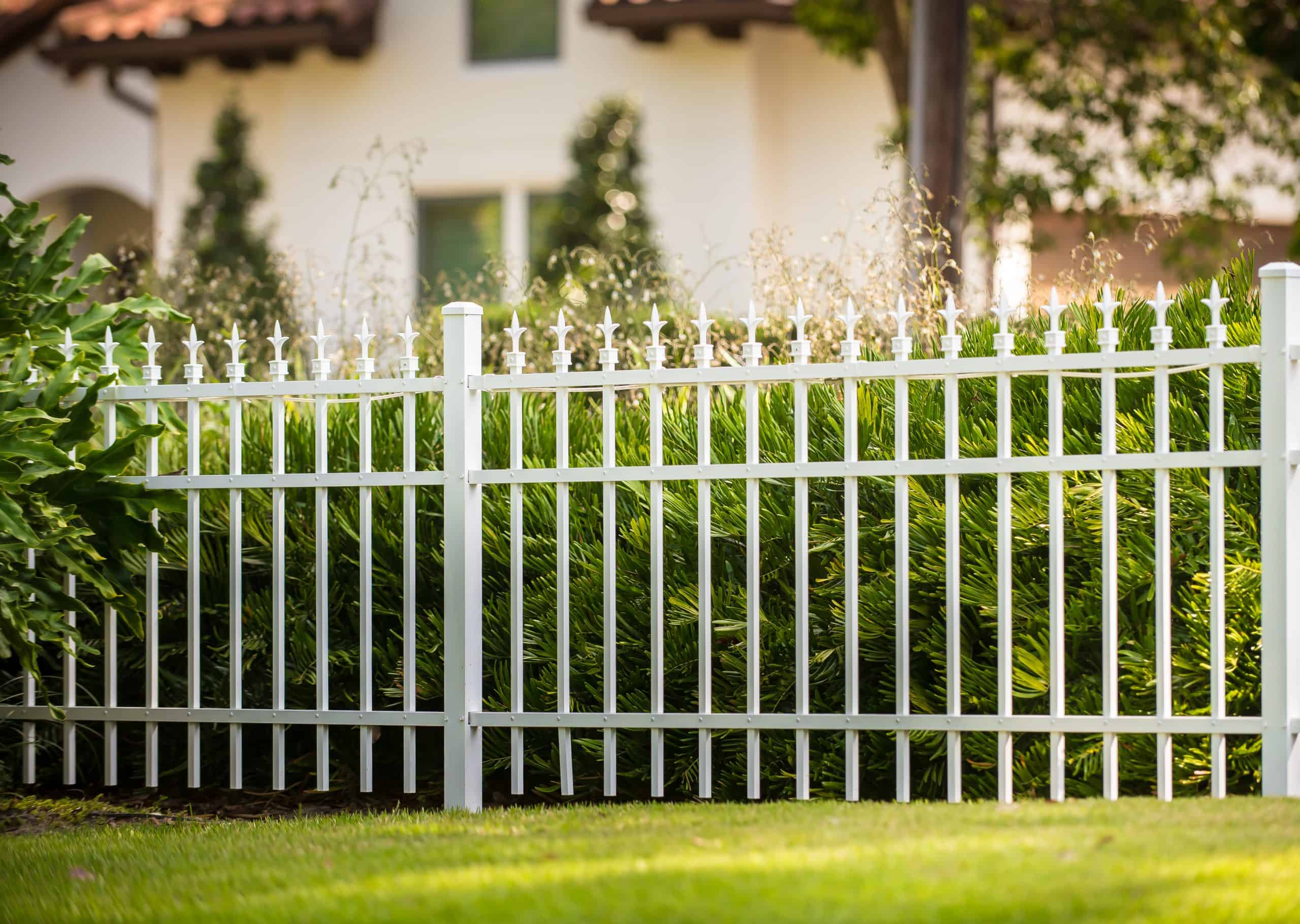 https://www.superiorfenceandrail.com/wp-content/uploads/2021/01/best-fence-company-scaled.jpg