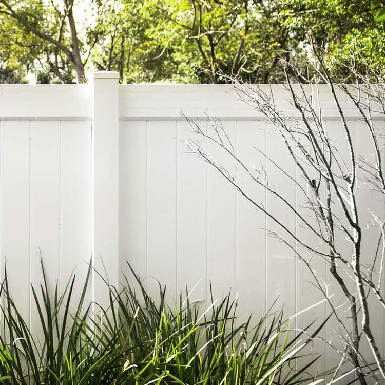 companies that offer fence financing white vinyl fence