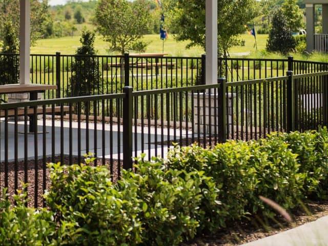 https://www.superiorfenceandrail.com/wp-content/uploads/2021/09/Marietta-Fence-Company-Black-aluminum-around-pavilion-640x480.jpg