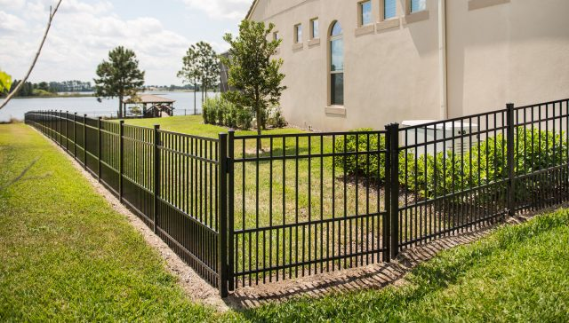 What Monroe Fence Company Offers the Best Services?