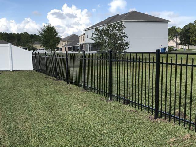 https://www.superiorfenceandrail.com/wp-content/uploads/2021/09/Winder-Fence-Installation-Companies-640x480.jpg