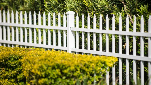 5 Things to Look for When Hiring a Pompano Beach Fence Company